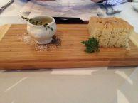 Wachtbordje: focaccia met olijfolie...