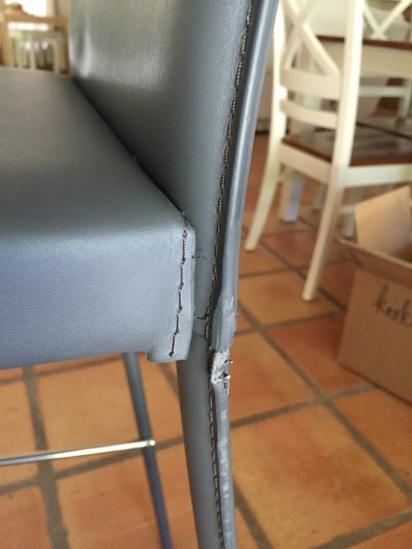 1 van de vele beschadigde stukken